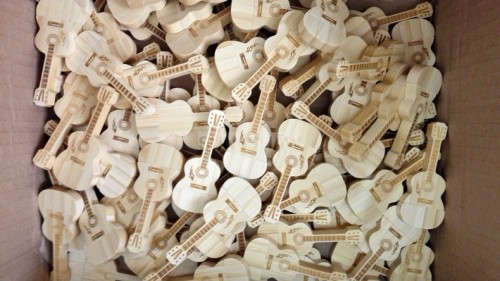 SD-011 Guitar shaped wooden or bamboo usb memory as musical concert gift